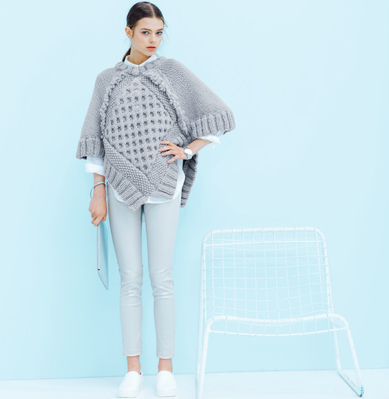 Modèle pull-poncho Alaska Femme